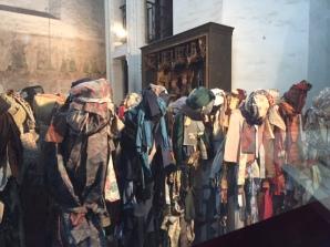 Cloth display